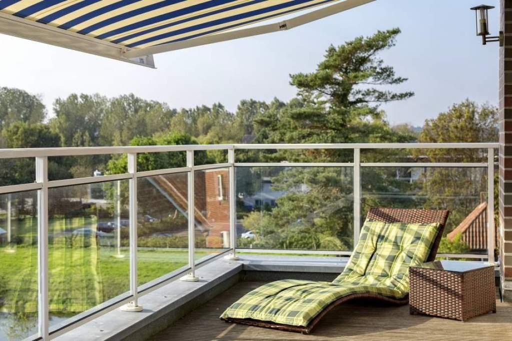ferienwohnung dachterrasse in scharbeutz mit teilmeerblick. Black Bedroom Furniture Sets. Home Design Ideas