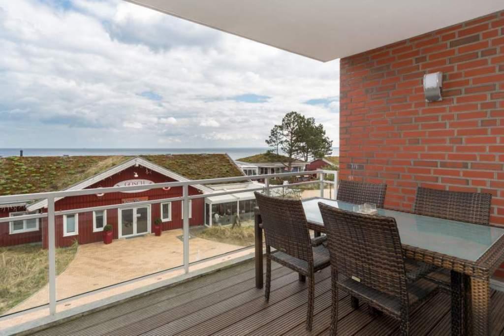 ferienwohnung franziska in scharbeutz mit meerblick und balkon holm ferienwohnungen. Black Bedroom Furniture Sets. Home Design Ideas