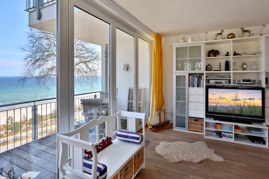 ferienwohnung seaside in scharbeutz mit meerblick und balkon holm ferienwohnungen. Black Bedroom Furniture Sets. Home Design Ideas